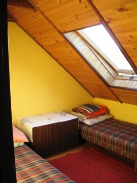 Jedna z sypialni na pięterku