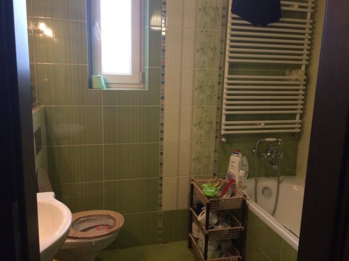 Łazienka w pełni wyposażona.