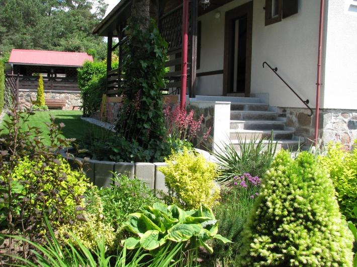 Widok od ogrodu.